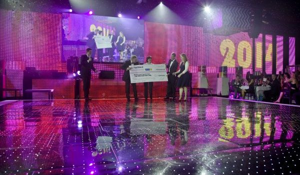 superdrug charity - cheque [ image©davidholbrook ]-5_news page